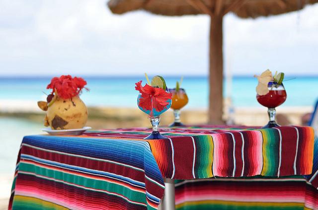 bar de plage et couleur du Mexique à Cozumel