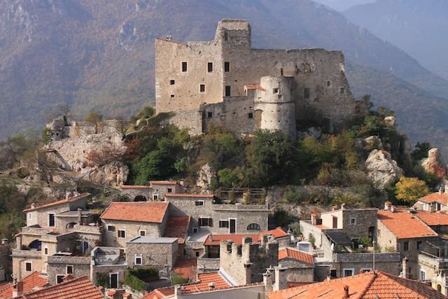 forteresse médiévale de savone