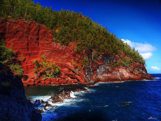 Kaihalulu plage rouge de maui hawaii