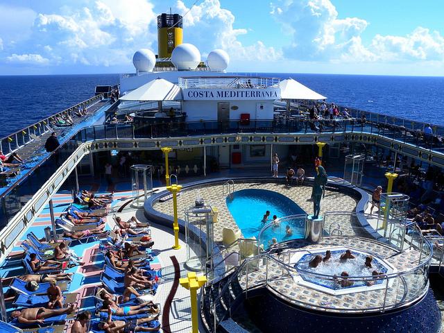 piscines bateau costa mediterranea