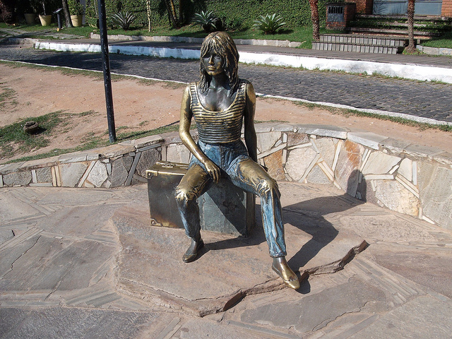statue bardot buzios