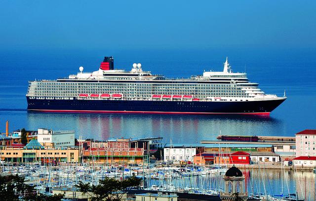 transatlantique queen Elizabeth Cunard