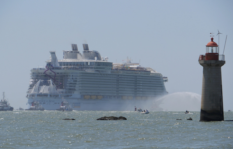 le Harmony of the Seas au départ de Saint Nazaire