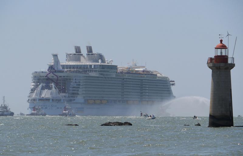 le Harmony of the Seas au départ de Saint Nazaire