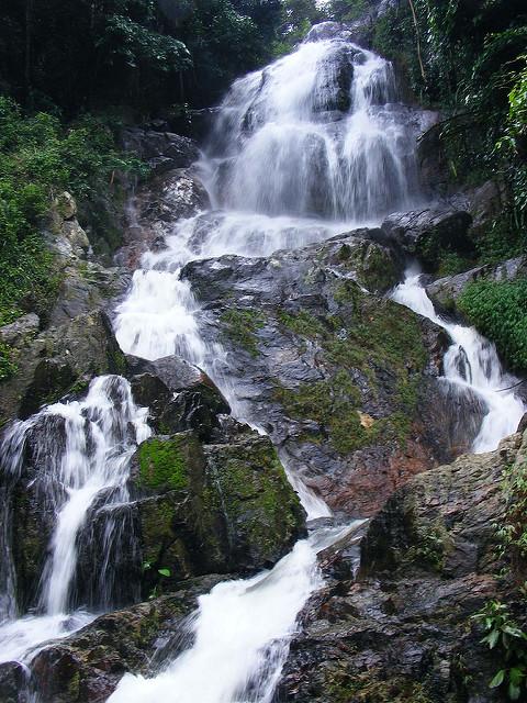 Cascade Na Muang Waterfall
