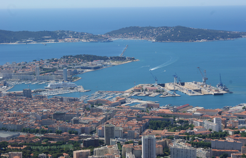 Toulon veut d velopper la croisi re dans son port - Piscine municipale bourg royal toulon ...
