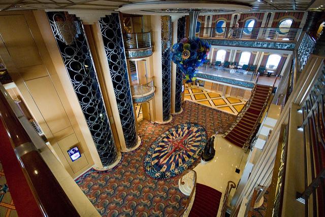 intérieur navire Disney Magic