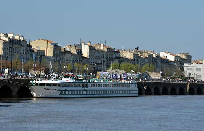 Escales incontournables du Rhône entre Lyon, la Camargue et la Provence avec possibilité de dîner chez Paul Bocuse (formule port/port), 7 jours - LMY_PP2