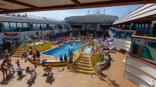 Croisi res en promo avec le costa deliziosa - Costa luminosa piscine ...