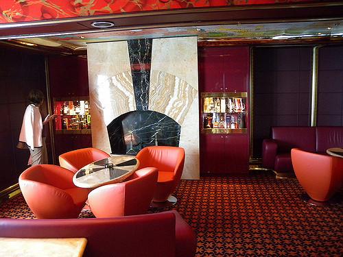 cigar lounge bar costa luminosa