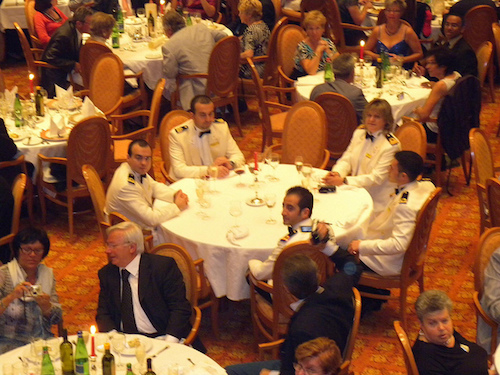 equipage restaurant costa mediterranea table du capitaine