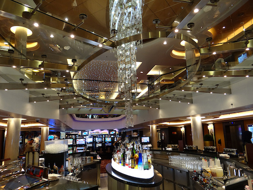 bar lounge norwegian epic