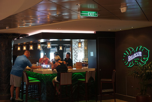 bar lounge Norwegian Escape NCL