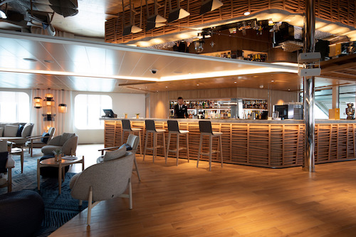 bar lounge le lapérouse ponant