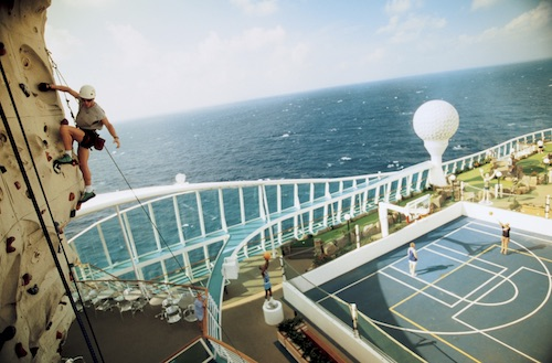 terrains de sport mur escalade voyager of the seas