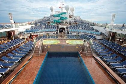 pont piscine carnival freedom