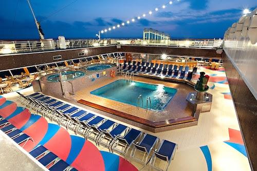 piscine carnival glory