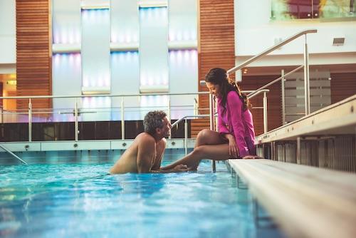 piscine celebrity reflection